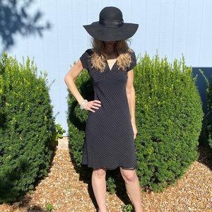 Dresses & Skirts - Black polka dot midi dress